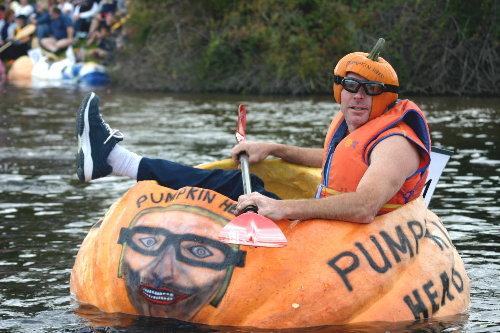 pumpking-regatta-boats-2