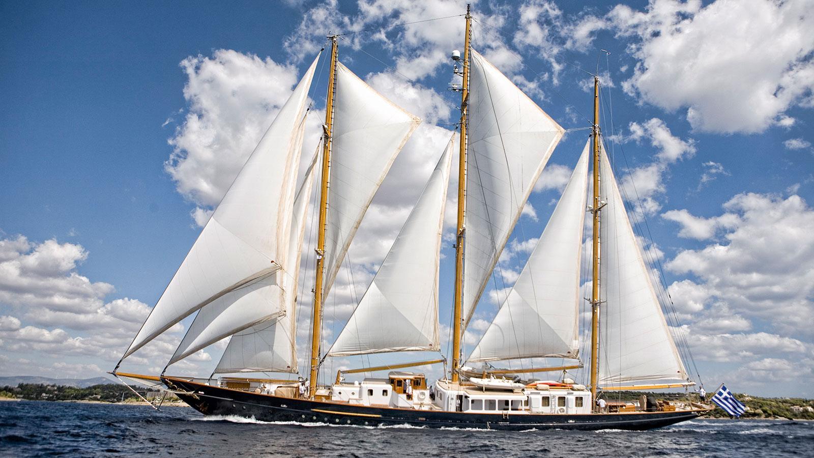 fleurtje-sailing-boat