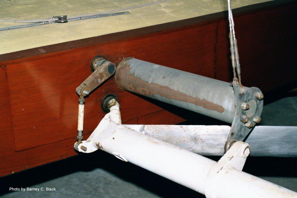Monohull Hydrofoil 1950 Monitor
