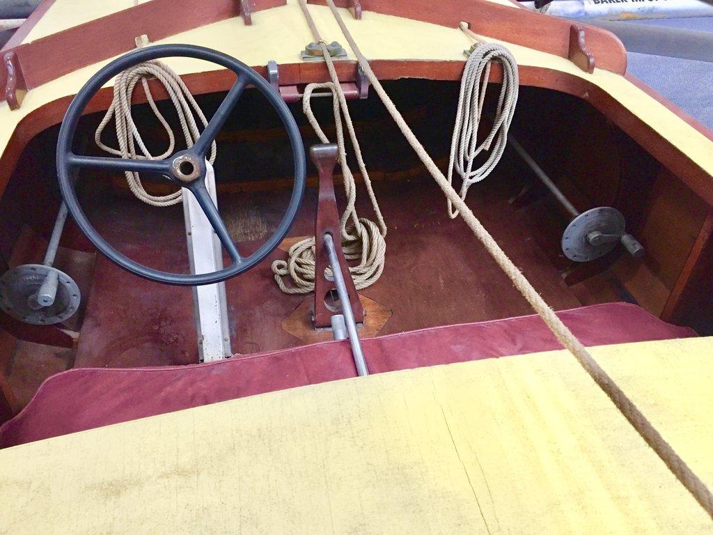 Monohull Hydrofoil 1950 Monitor 1